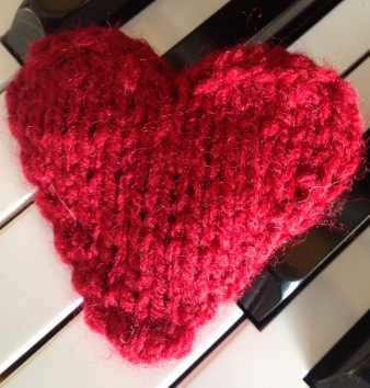 Knitted Heart Puff
