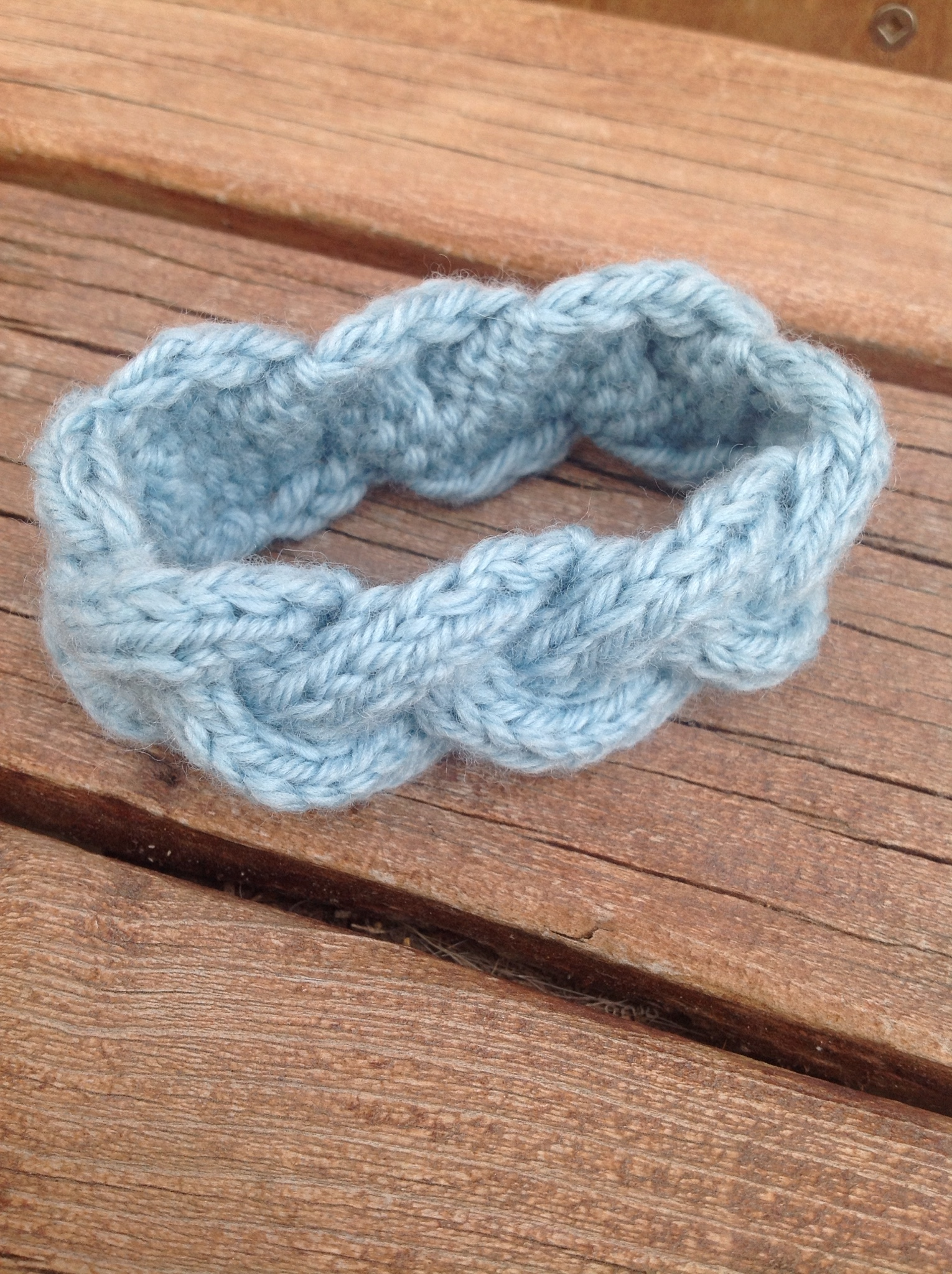 Knitted braided cable bracelet | The Knit Guru